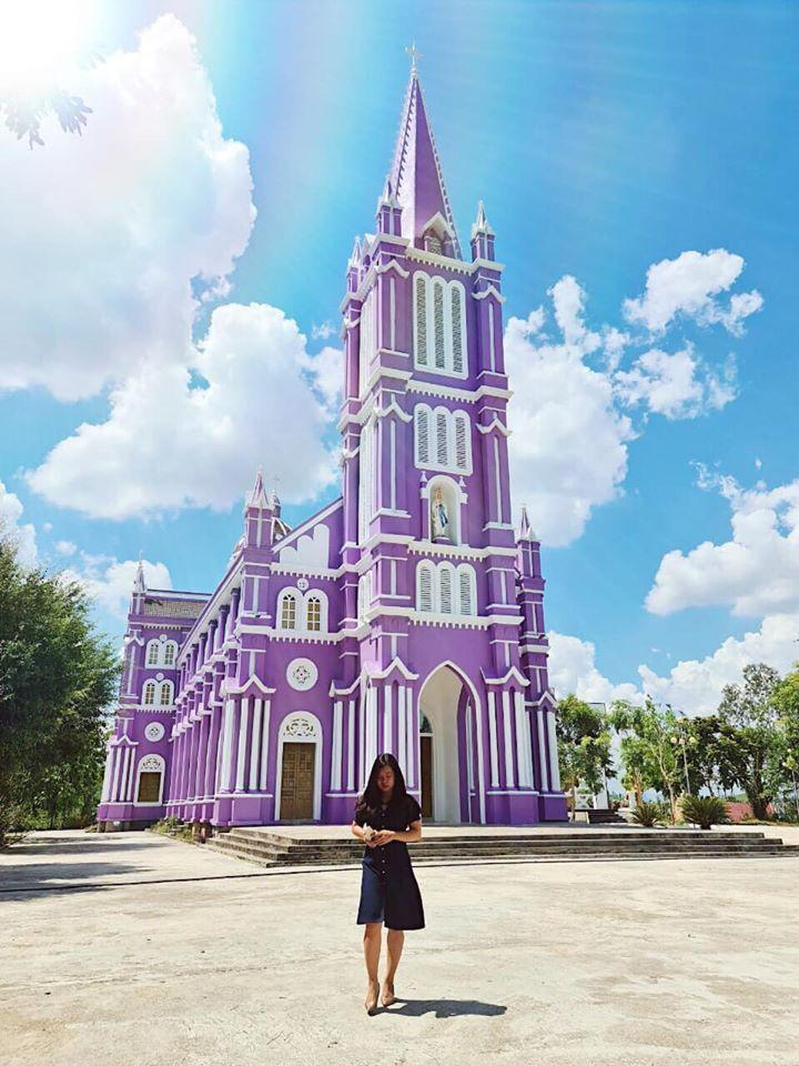 Lạc bước vào lâu đài cổ tích với những nhà thờ đẹp nhất 3 miền không phải ai cũng biết-7