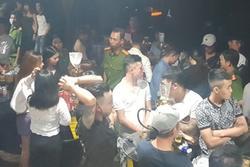 Đại úy công an bị đánh trước quán bar