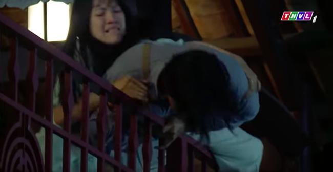 Hậu trường cảnh nhảy lầu phim Việt: người bảo hộ đầy đủ, người liều mạng chẳng có gì-12