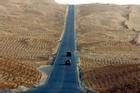 Con đường xuyên sa mạc dài nhất tại Trung Quốc