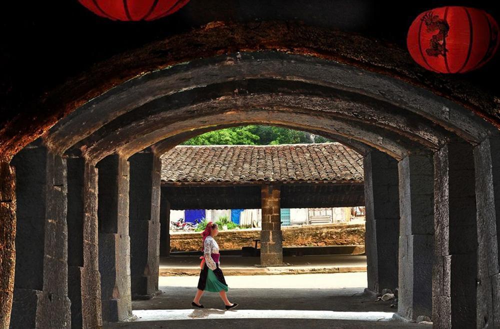 Khám phá khung trời bình yên như tranh vẽ ẩn mình trong 3 khu phố cổ ở Việt Nam-2