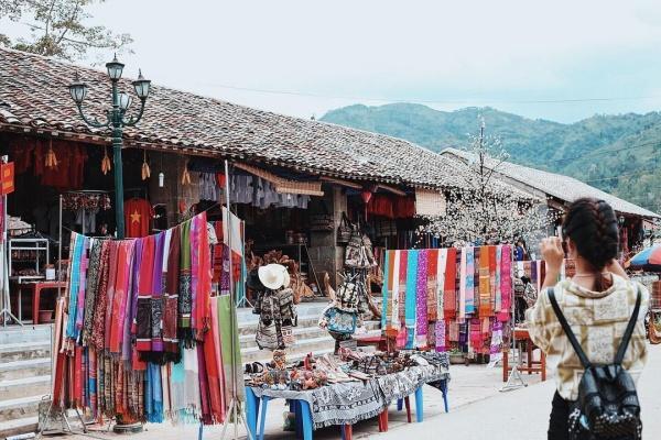 Khám phá khung trời bình yên như tranh vẽ ẩn mình trong 3 khu phố cổ ở Việt Nam-3