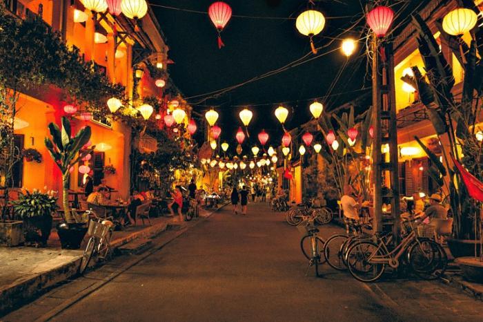 Khám phá khung trời bình yên như tranh vẽ ẩn mình trong 3 khu phố cổ ở Việt Nam-17