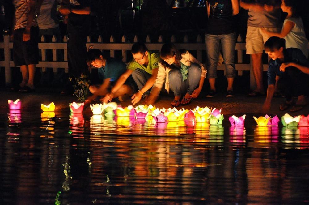 Khám phá khung trời bình yên như tranh vẽ ẩn mình trong 3 khu phố cổ ở Việt Nam-18