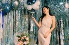 Son Ye Jin diện váy xẻ cao khoe chân dài quyến rũ