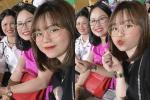 Hé lộ ảnh bạn gái Quang Hải đi làm thủ tục mua nhà ở tuổi 21-3