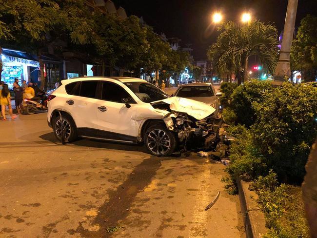 Kinh hoàng lái xe Mazda đâm liên hoàn 10 phương tiện, 1 người tử vong-1