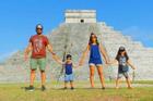 Gia đình đi du lịch khắp thế giới