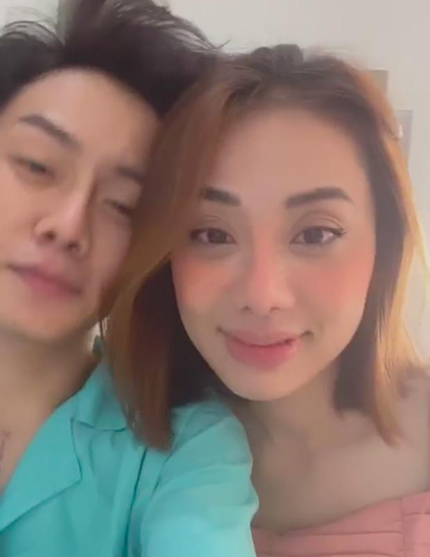 Sau clip hôn hít công khai, Miko Lan Trinh đưa người yêu đồng giới đi cắt ngực-2