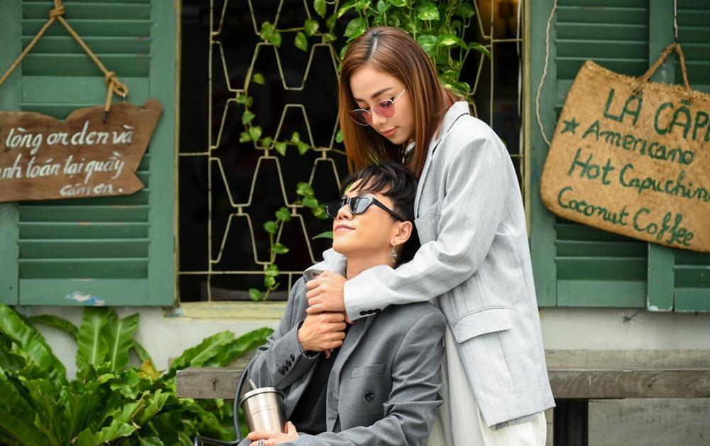Sau clip hôn hít công khai, Miko Lan Trinh đưa người yêu đồng giới đi cắt ngực-6