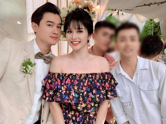 Khách mời đi đò khi dự cưới Thảo Trang ở Quảng Ngãi-3