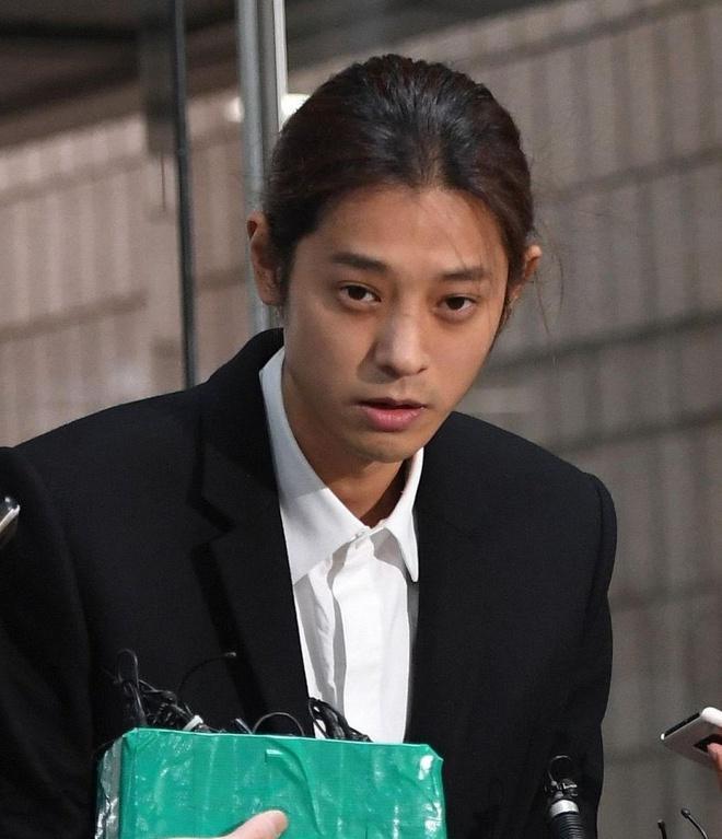Tòa án triệu tập 22 nhân chứng liên quan vụ án của Seungri-2