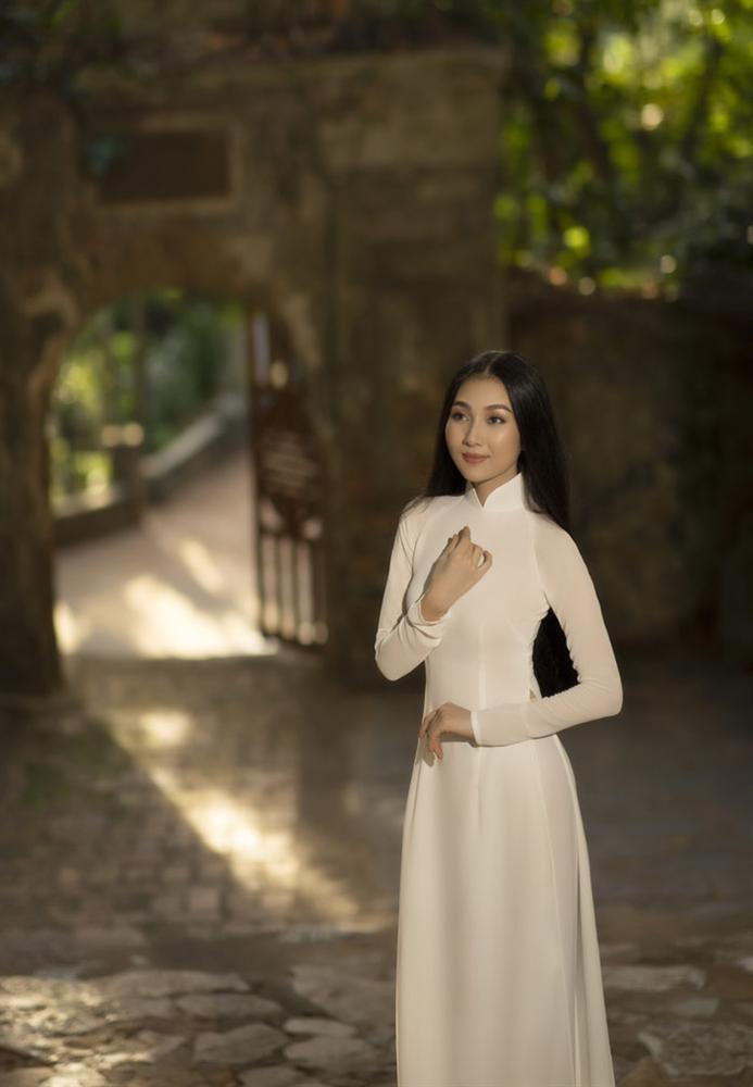Người đẹp mặc áo dài ấn tượng nhất Hoa hậu Việt Nam 2016 giờ ra sao?-6