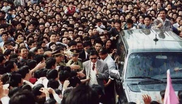 Tuổi già bệnh tật của ác nhân nổi tiếng bậc nhất màn ảnh Hong Kong-3
