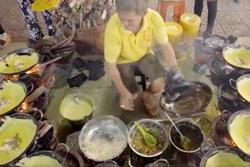 Ngôi chùa có bánh xèo miễn phí ở An Giang