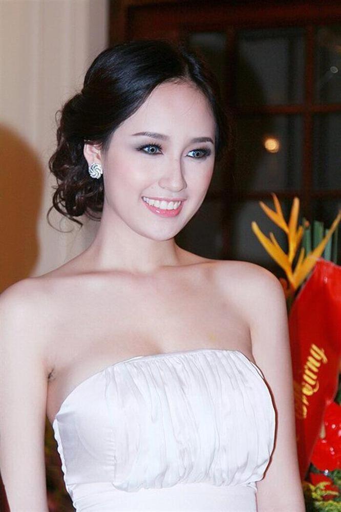 Mai Phương Thúy, Ngọc Trinh từng khiến fan phát hoảng khi đeo kính áp tròng-1