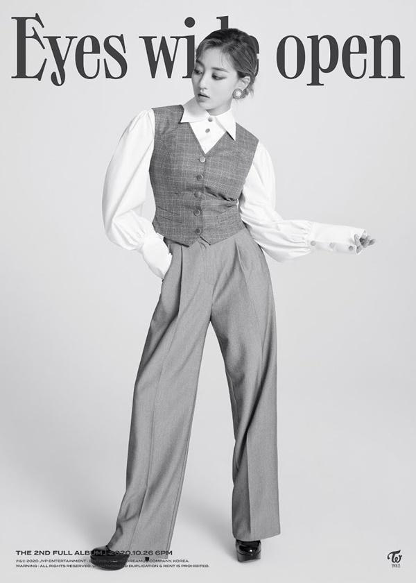 Jihyo (Twice) gây bão Twitter trong teaser album 'Eyes Wide Open'-2