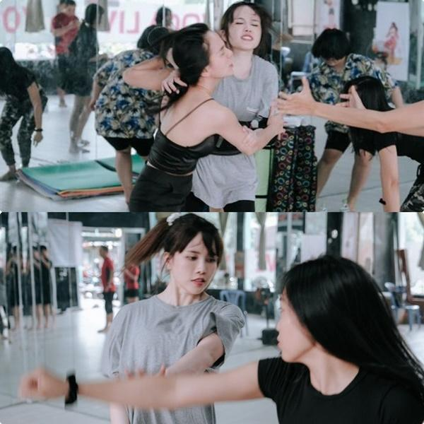 Sở hữu đôi chân ngọc ngà, Hari Won và Thiều Bảo Trâm lộ vết thương chi chít-8