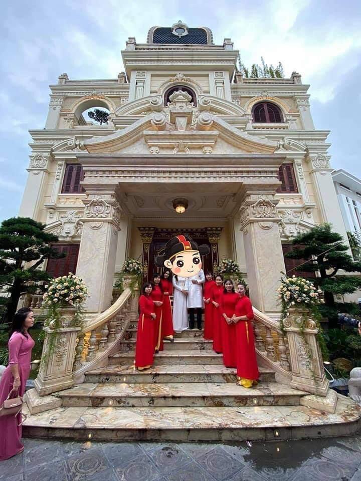 Choáng siêu đám cưới trong lâu đài dát vàng, rước dâu bằng Roll Royce ở Tuyên Quang-1