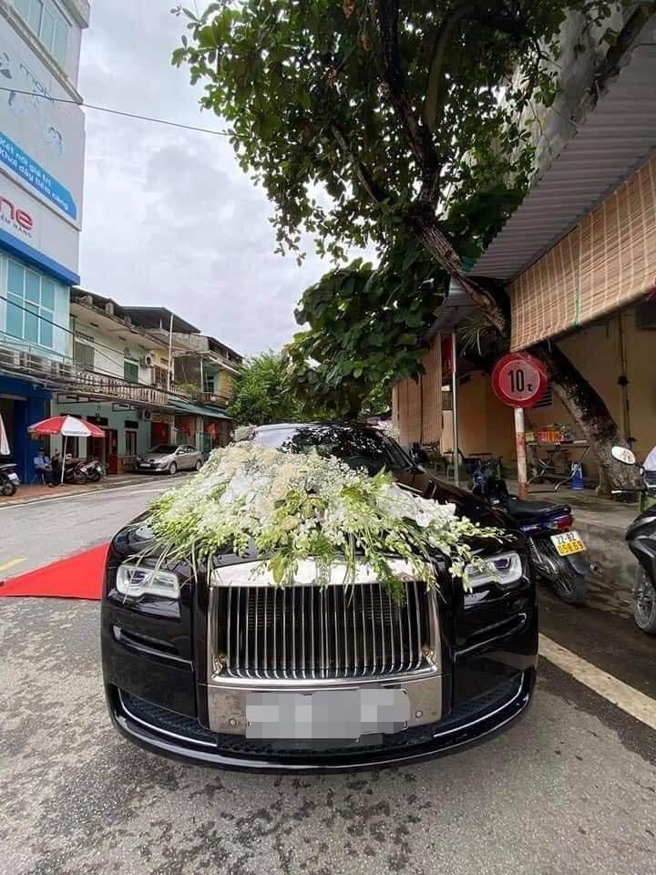 Choáng siêu đám cưới trong lâu đài dát vàng, rước dâu bằng Roll Royce ở Tuyên Quang-7