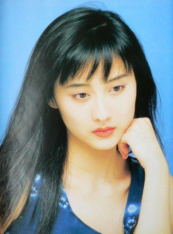 Ngọc nữ phim Quỳnh Dao được Châu Tinh Trì si mê một thời ly hôn ở tuổi 45-4
