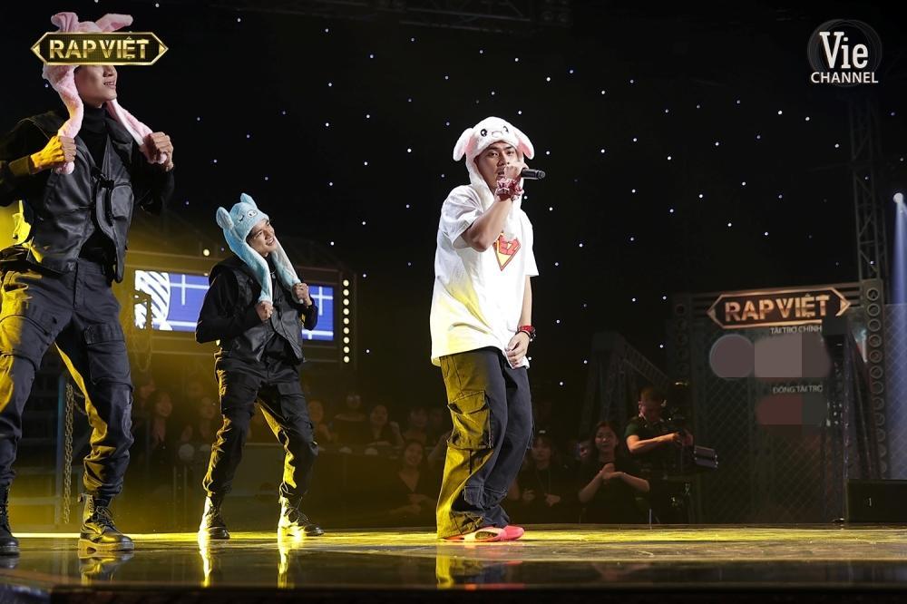 Rap Việt tập 12: Wowy và Tez tung cú lừa khiến dàn HLV nín thở tưởng ngất-4