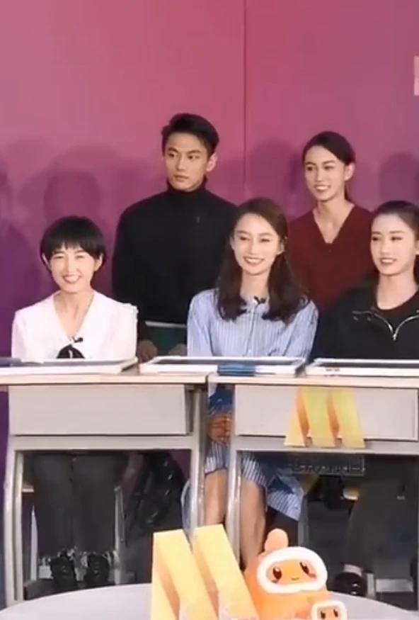 Triệu Vy, Dương Mịch cùng dàn sao quy tụ ngày kỷ niệm trường cũ Bắc Ảnh-13