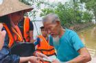 Chuẩn bị bay về Sài Gòn, Thủy Tiên bất ngờ 'quay xe' khi nhận tin Quảng Trị ngập nặng