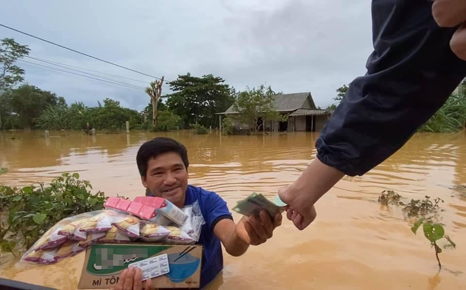 Thủy Tiên nhận hơn 60 tỷ, sợ chồng bỏ sau những ngày cứu trợ miền Trung-2
