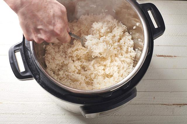 Mẹo kết hợp nguyên liệu tuyệt đỉnh ít người biết, giúp chị em nấu nướng nhẹ tênh-4