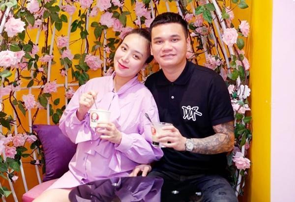 Bà xã Khắc Việt sinh đôi một trai một gái-2