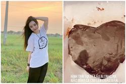 Quỳnh Kool làm bánh kem 'cực dị' nhưng chống chế rắc bột trông sẽ đẹp hơn, netizen 'đợi mòn dép'