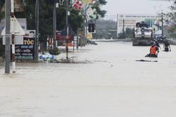 Sơ tán khẩn cấp hơn 45.000 dân Hà Tĩnh đi tránh lũ
