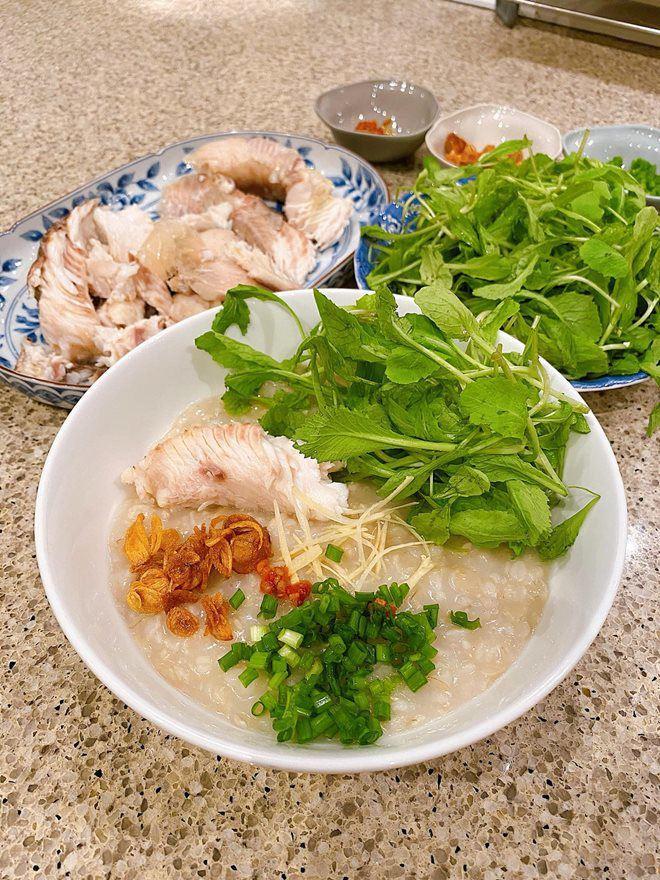 Hoàng Thùy Linh và dàn sao Việt tấm tắc trước món cháo nấu đại của Tăng Thanh Hà-2