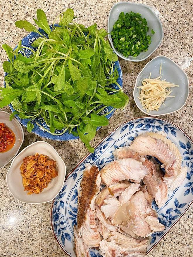 Hoàng Thùy Linh và dàn sao Việt tấm tắc trước món cháo nấu đại của Tăng Thanh Hà-3