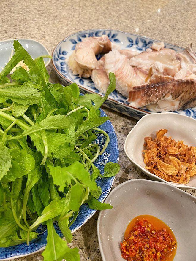 Hoàng Thùy Linh và dàn sao Việt tấm tắc trước món cháo nấu đại của Tăng Thanh Hà-5