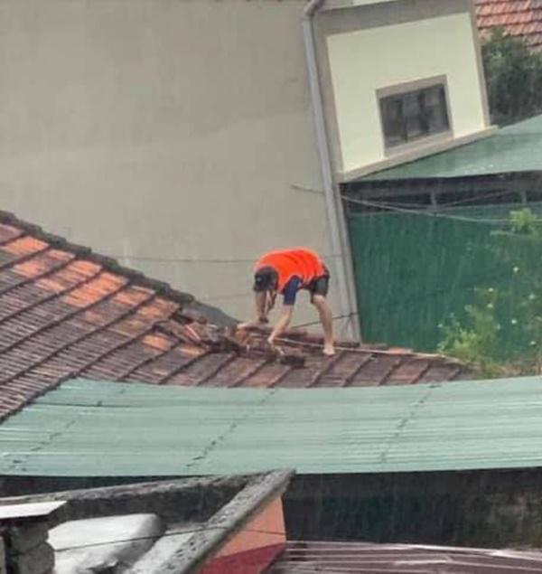 Hàng loạt ngôi nhà sắp bị nuốt cả phần mái trong cơn đại hồng thủy ở Quảng Bình-9