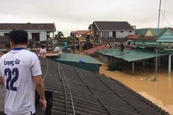 Hàng loạt ngôi nhà sắp bị 'nuốt' cả phần mái trong cơn đại hồng thủy ở Quảng Bình