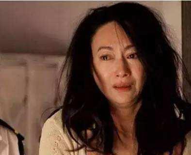 Huệ Ánh Hồng: đả nữ Hong Kong từng đi ăn xin, tìm đến cái chết vì lỡ dại chụp ảnh nóng-11