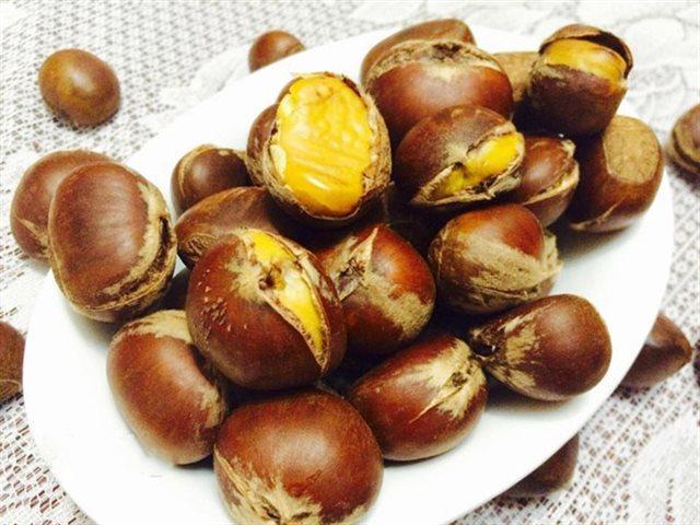 Có một loại hạt được coi là chân ái của mùa đông, rang chín hay làm sữa đều ngon tuyệt-2