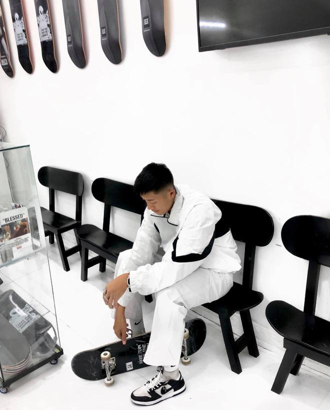 Instagram có anh trai trượt ván rất cool: Là ông chủ trẻ của shop thời trang, body căng cực-4