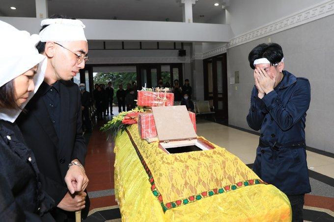 Quang Hà đau đớn vì anh trai đột ngột qua đời-1