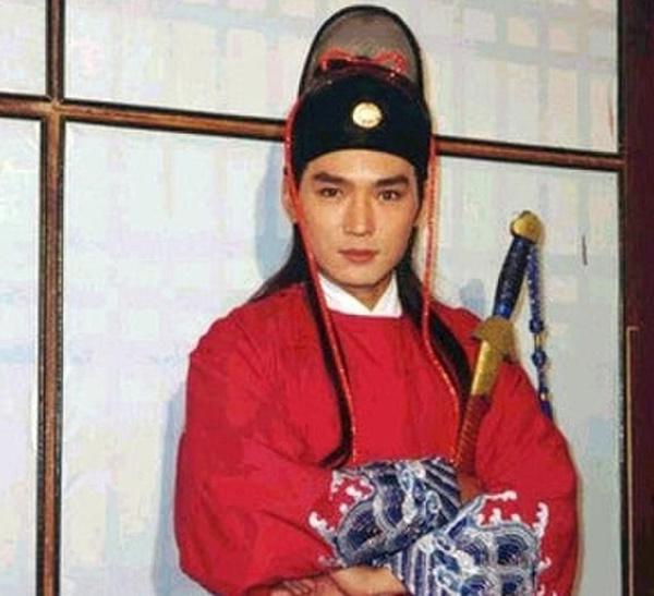 Dàn sao Bao Thanh Thiên sau 20 năm ai cũng bạc đầu, đến Triển Chiêu Tiêu Ân Tuấn cũng lột xác rồi-12