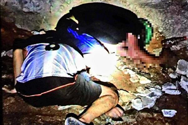Kinh hoàng 2 thi thể nam giới nằm úp mặt dưới gầm cầu ở Bình Dương-1