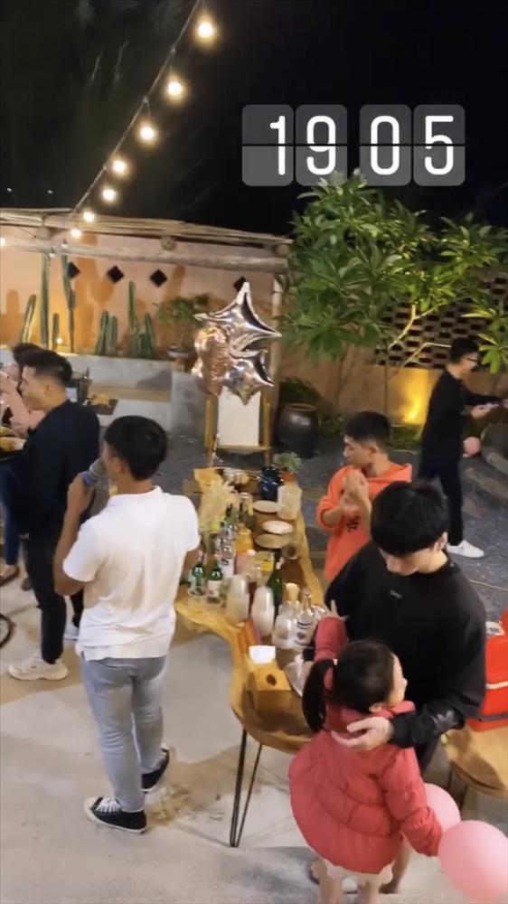 Cô dâu 200 cây vàng ở Nam Định được chồng tổ chức tiệc 20/10 hoành tráng tại nhà riêng-4