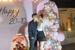 'Cô dâu 200 cây vàng' ở Nam Định được chồng tổ chức tiệc 20/10 hoành tráng tại nhà riêng