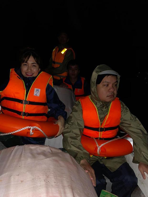 Hòa Minzy gặp sự cố trên đường hỗ trợ sản phụ đến bệnh viện giữa vùng lũ, đại diện lên tiếng nói rõ thực hư-4