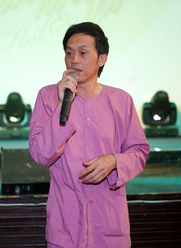 Bị so sánh từ thiện với Thủy Tiên, danh hài Hoài Linh phản ứng cực khéo-1