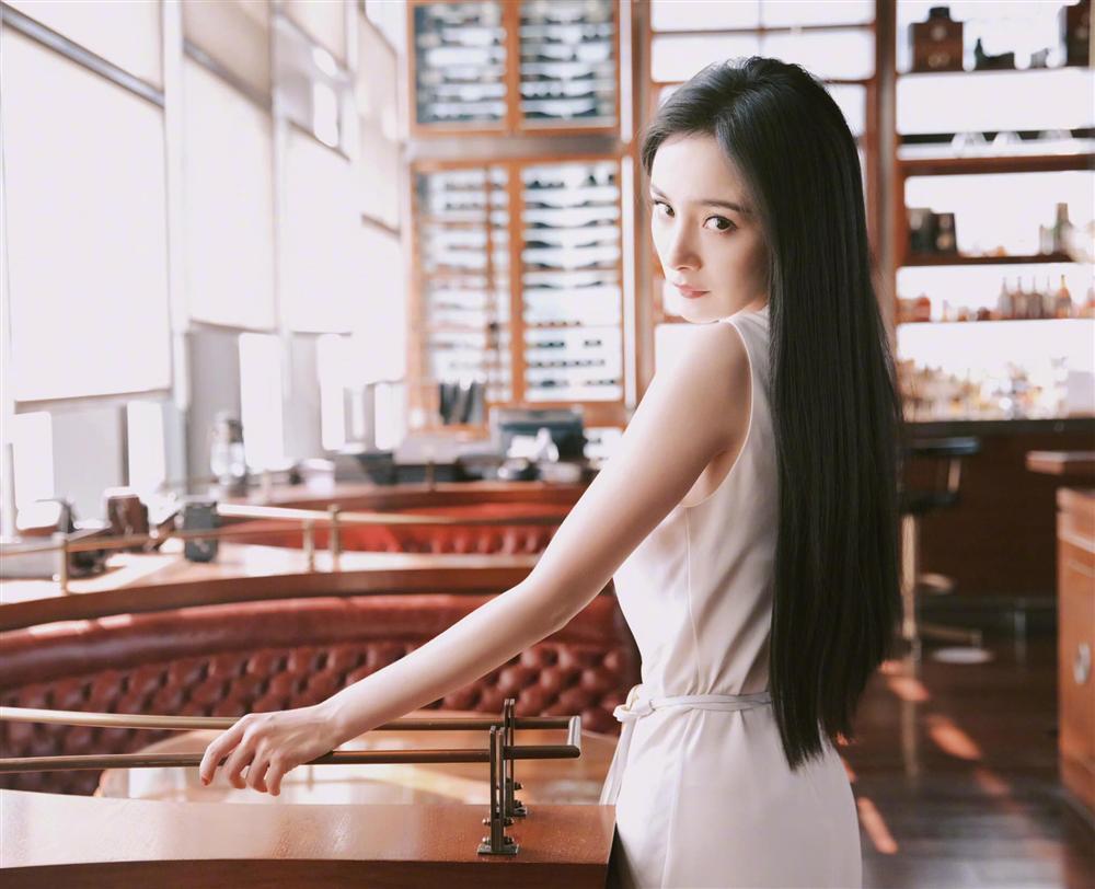 Nhan sắc thật của Dương Mịch qua ảnh chụp lén không chỉnh sửa-5