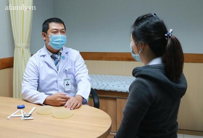 TP.HCM: Người phụ nữ 34 tuổi bị vỡ túi ngực vì làm đẹp tại cơ sở kém chất lượng-3